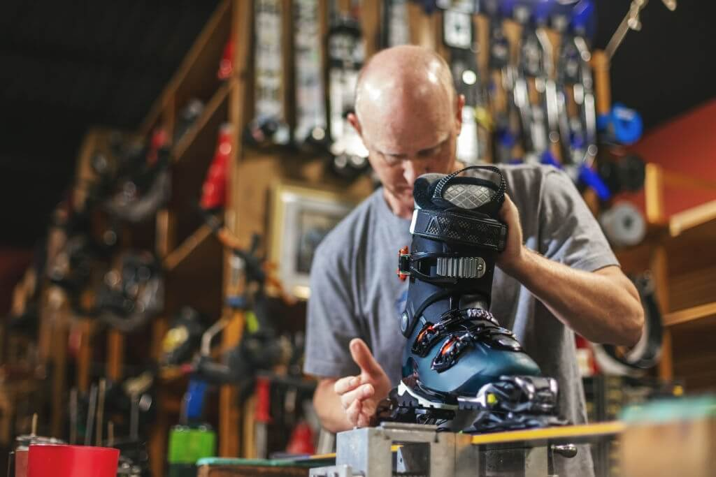 How to Adjust Salomon Ski Bindings